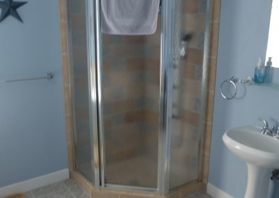 Americana Shower in Seams Like Home bed and breakfast