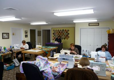 Quilting Room in Quilting Retreats Seams Like Home B&B