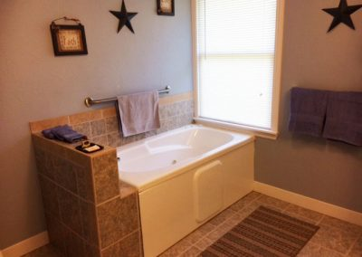 Americana Suite Bathroom in Seams Like Home bed and breakfast